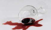 Как вывести пятна от вина, соков, фруктов и ягод