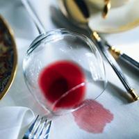 Как вывести пятня от вина, фруктов и ягод